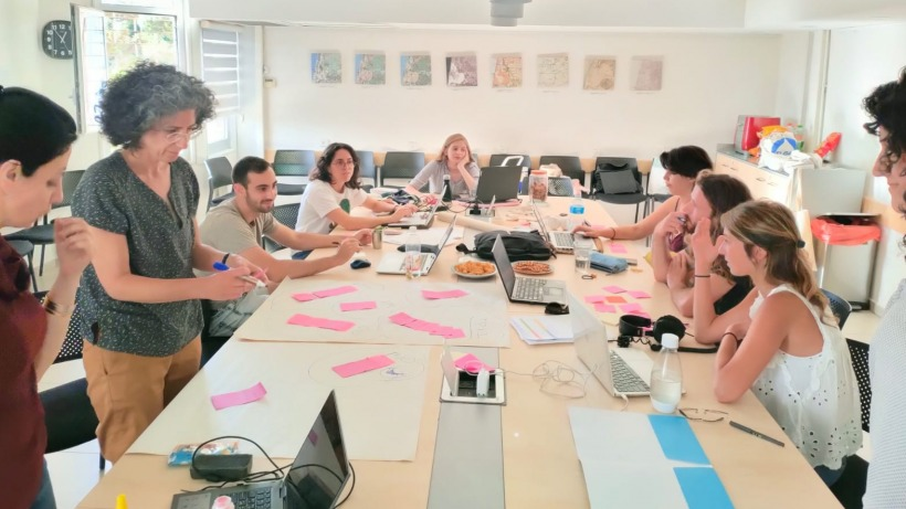"""""""Multiversitas"""" – Academic Project Based Learning and Community Action at the Hebrew University"""